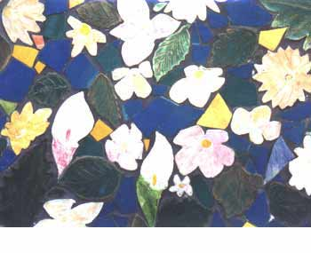 Close up of the flower mosaic at the center of the wall.